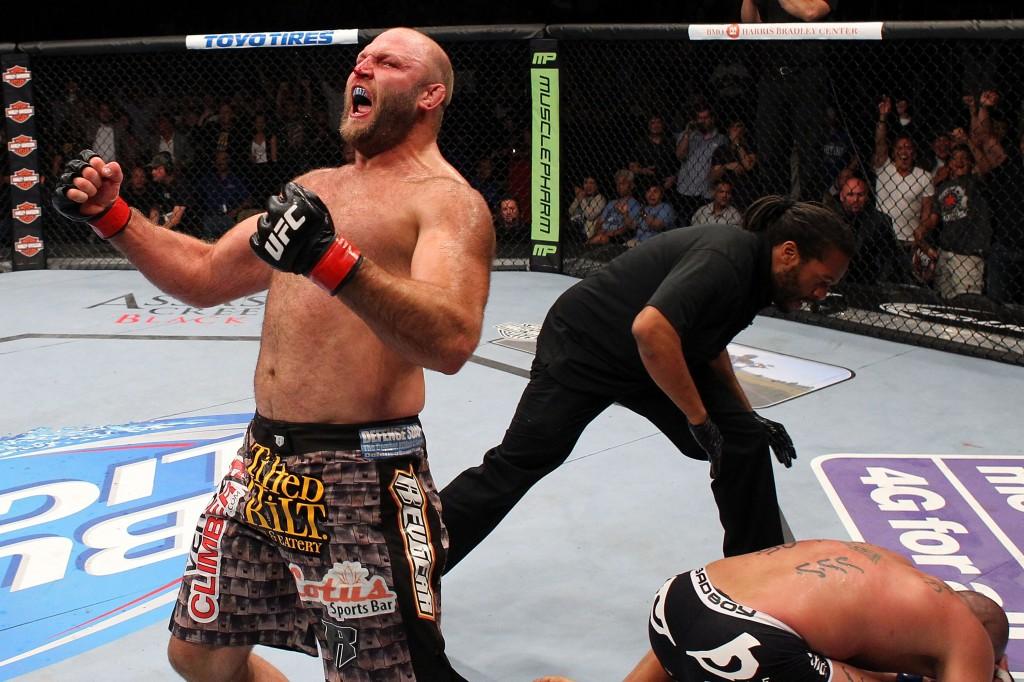 Ben UFC win 08.2013