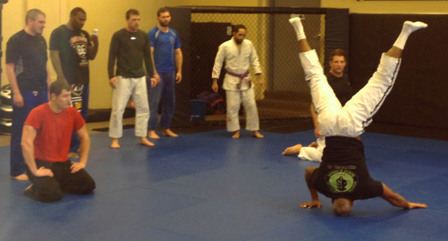 BJJ, Gilmar Headstand Demonstration